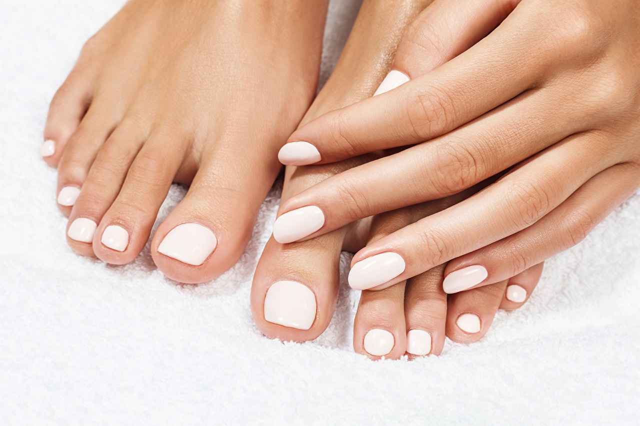 Pedicure_White